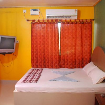 Hotel Malvan Beach - AC Room