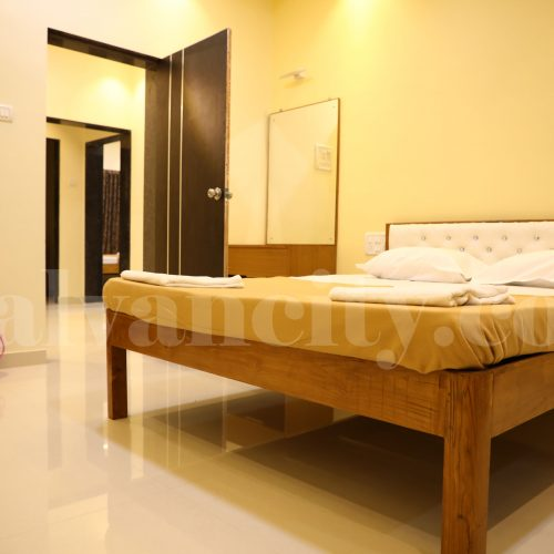 malvan hotels near beach